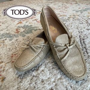 Tod's Gommino Driving Loafers in Gold
